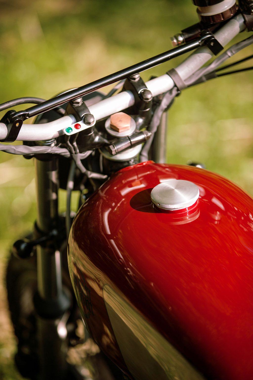 northeastcustom_kawasakiz400_scrambler_bike_italy