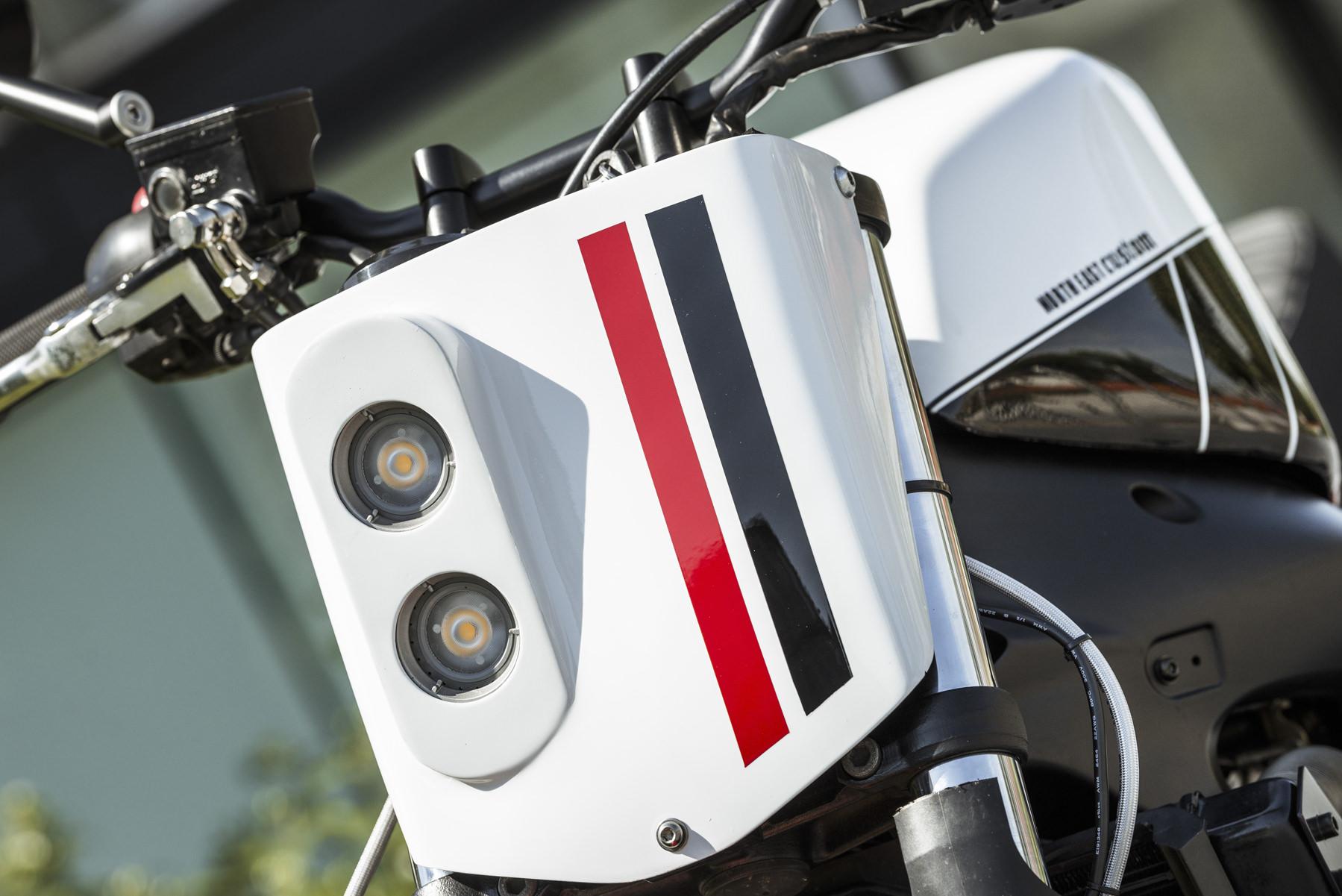 10 NEC Yamaha FZ6 Red Cheek